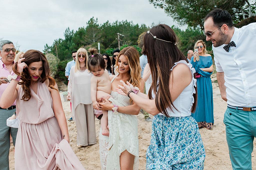 βάπτιση στη θάλασσα στη κεφαλλονιά, george kostopoulos wedding photography, Baby Christenning Baptism on the Beach, Φωτογράφιση Βάπτισης στην Θάλασσα στην Κεφαλονιά