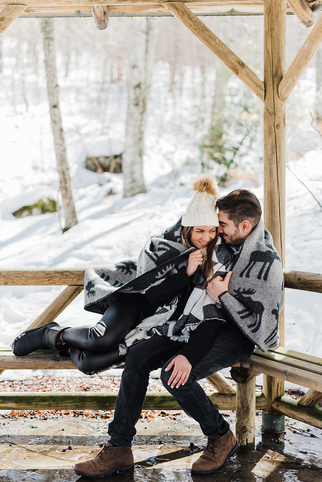 Prewedding φωτογράφιση στα χιόνια, winter elopement photoshoot, George Kostopoulos Fine Art Wedding Photography