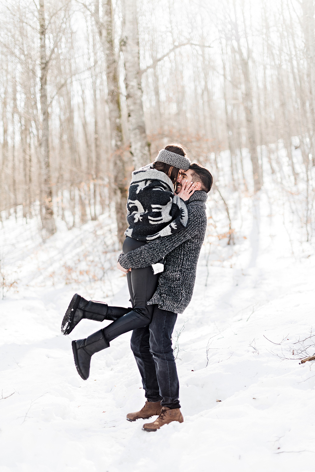 Alpine elopement photo session, Prewedding φωτογράφιση στα χιόνια, μια υπέροχη εμπειρία για το ζευγάρι, George Kostopoulos Fine Art Wedding Photography