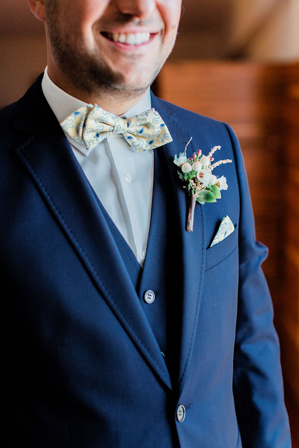 The beautiful boutonniere for the groom