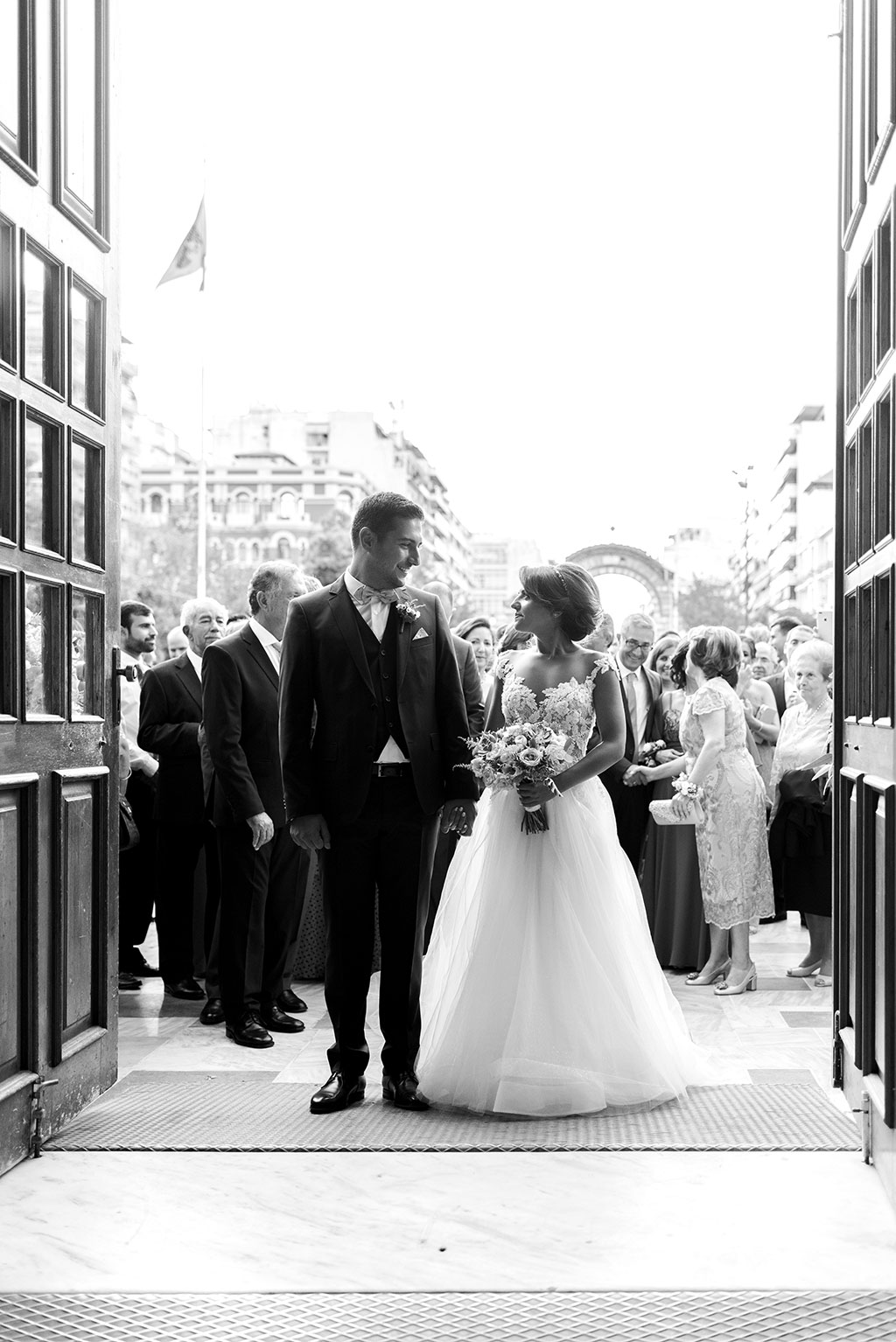 Black and white portrait of bride and groom in a wedding in thessaloniki