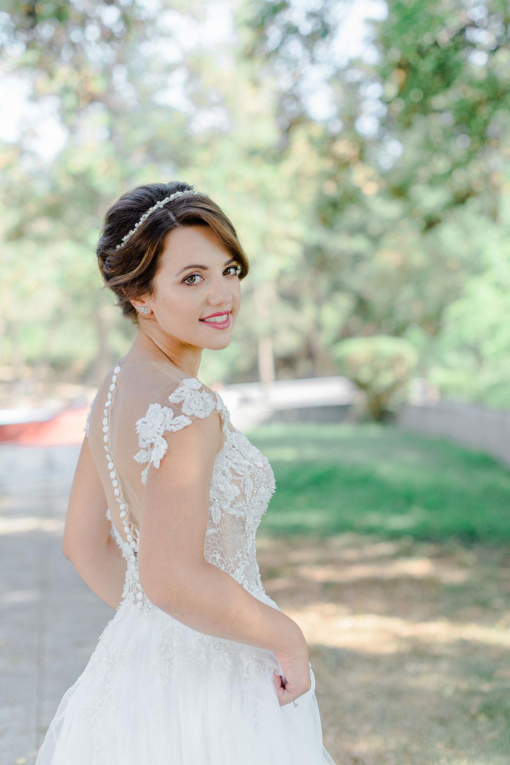 Happy sweet bride at her photoshhot, Υπέροχο νυφικό πορτραίτο στην Θεσσαλονίκη