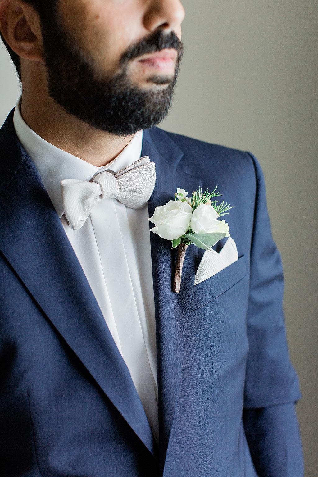 μπουτονιέρα γαμπρού, groom's boutonniere
