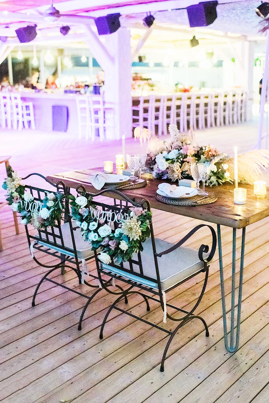 wedding table for bride and groom at venue in chalkidiki, Φωτογράφος γάμου Χαλκιδική